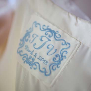 A Wedding Dress Label B with Border