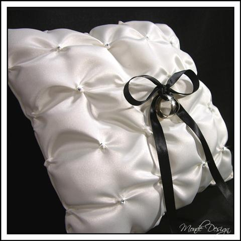 Ring Pillow Pick up Satin